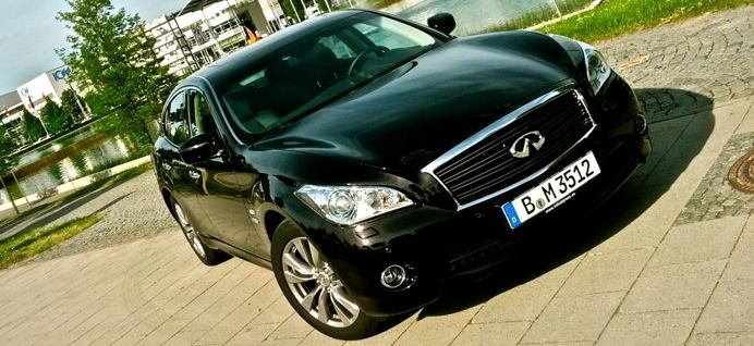 Infiniti M35h Frontansicht