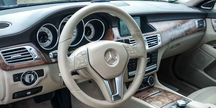 Mercedes-Benz CLS Shooting Brake Cockpit